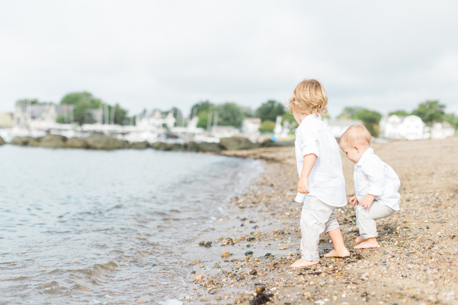 Fairfield-County-Darien-Pear-Tree-Point-Beach-Family-Photography-Natural-Light-kids