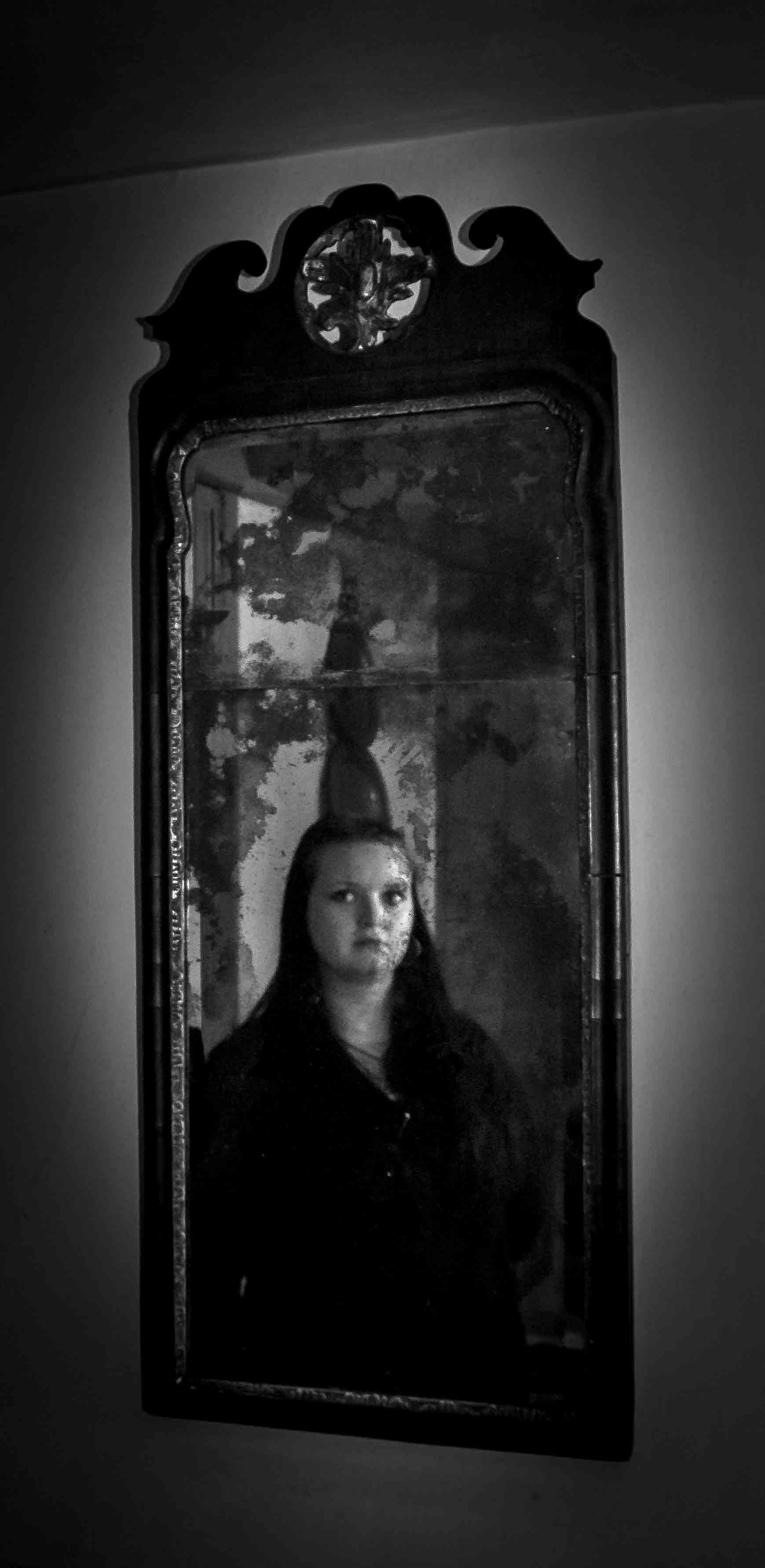 Investigator Christina In Mirror
