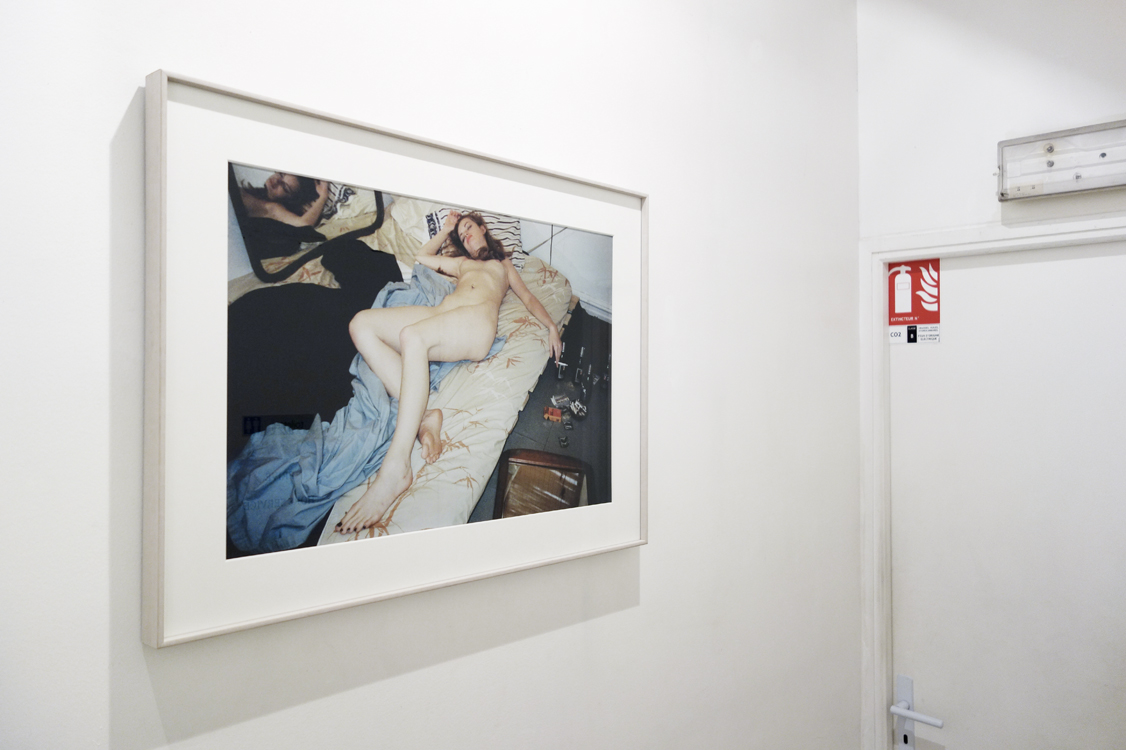 Installation view mauvais genre, supermodels?untitled the morning, 30 cm x 20 cm, c-print, mounted on aluminium, 1995 - 1998.