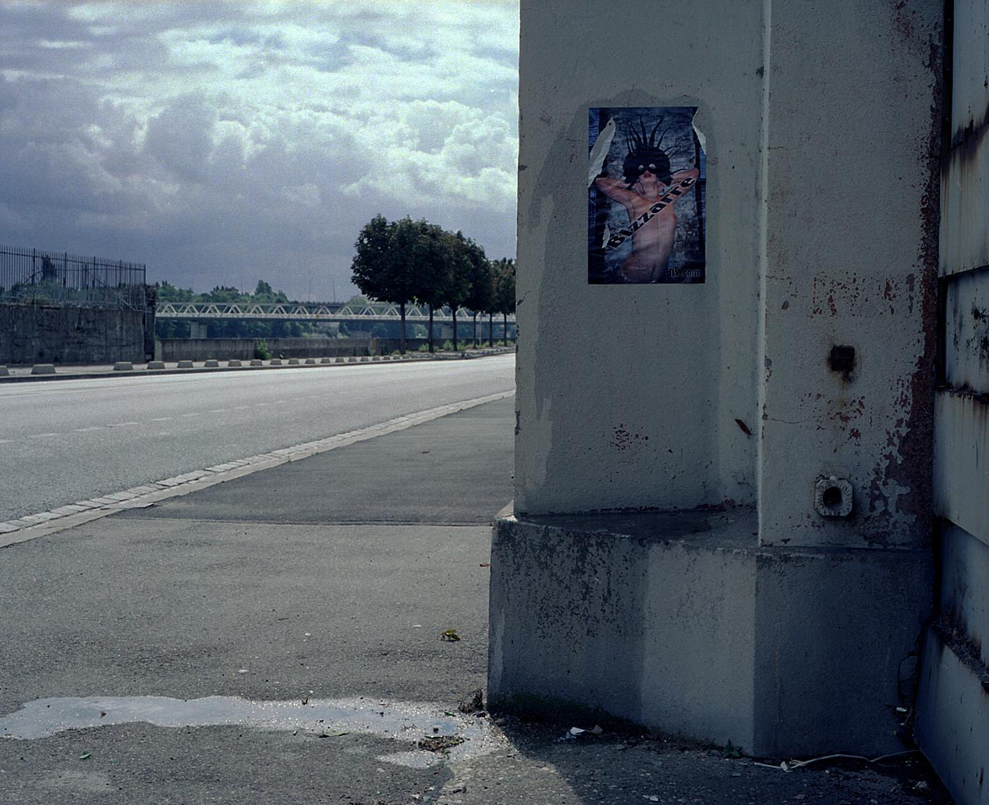 "bizzarreny.com ""Vitry""  , photograph, 2000, lambda print, 40 cm x 50 cm."