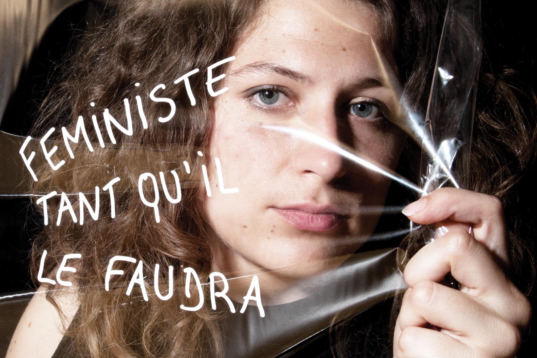 """Marilou Chauvrat, rédactrice en chef du fanzine érotico féministe Galante. """"Féministe, tant qu'il le faudra"""". slogan de Marilou Chauvrat. © PORTRAIT-PAROLE 2016."""
