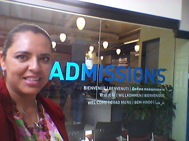 Conocemos a profundidad los procesos de admisión de nuestros socios, las diferencias entre ellos y también conocemos en persona a los encargados de estudiantes internacionales que te atenderán en tu escuela.