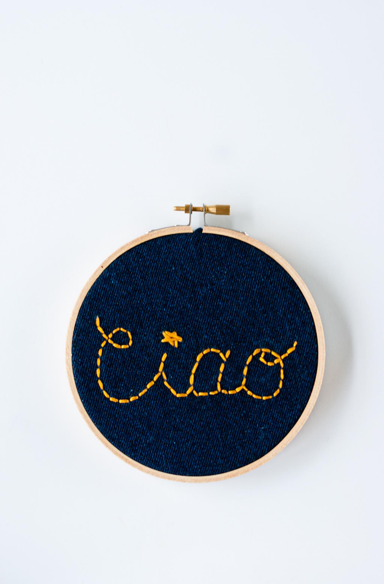 DIY needleword - Embroidery Hoop Wall Italian Sign