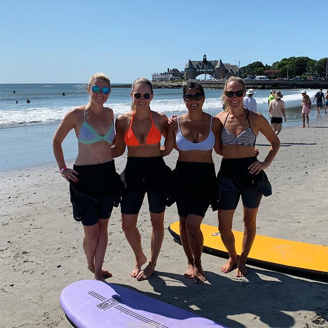 Our instructor told us most surfers turn pro in their 30's. Challenge accepted. 🏄‍♀️🌊