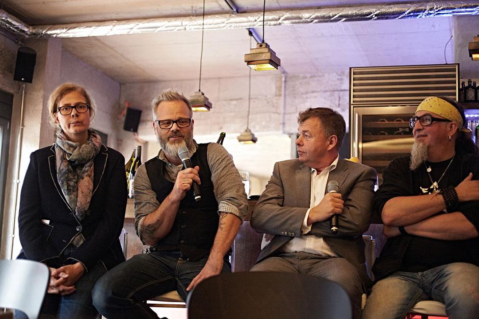 Press conference ... Photo & © by Boris Zorn