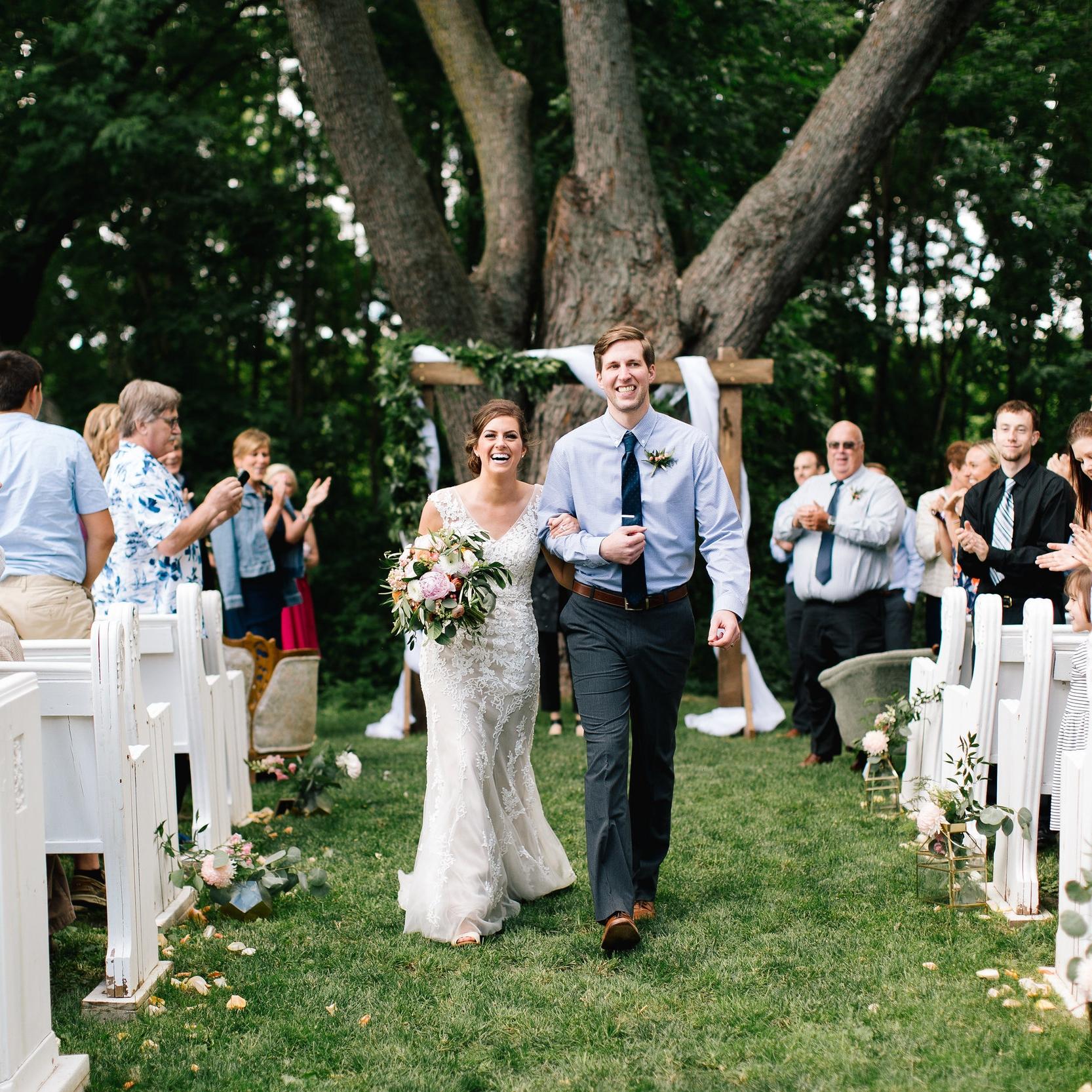 JADE + SETH // BLOOM LAKE BARN WEDDING