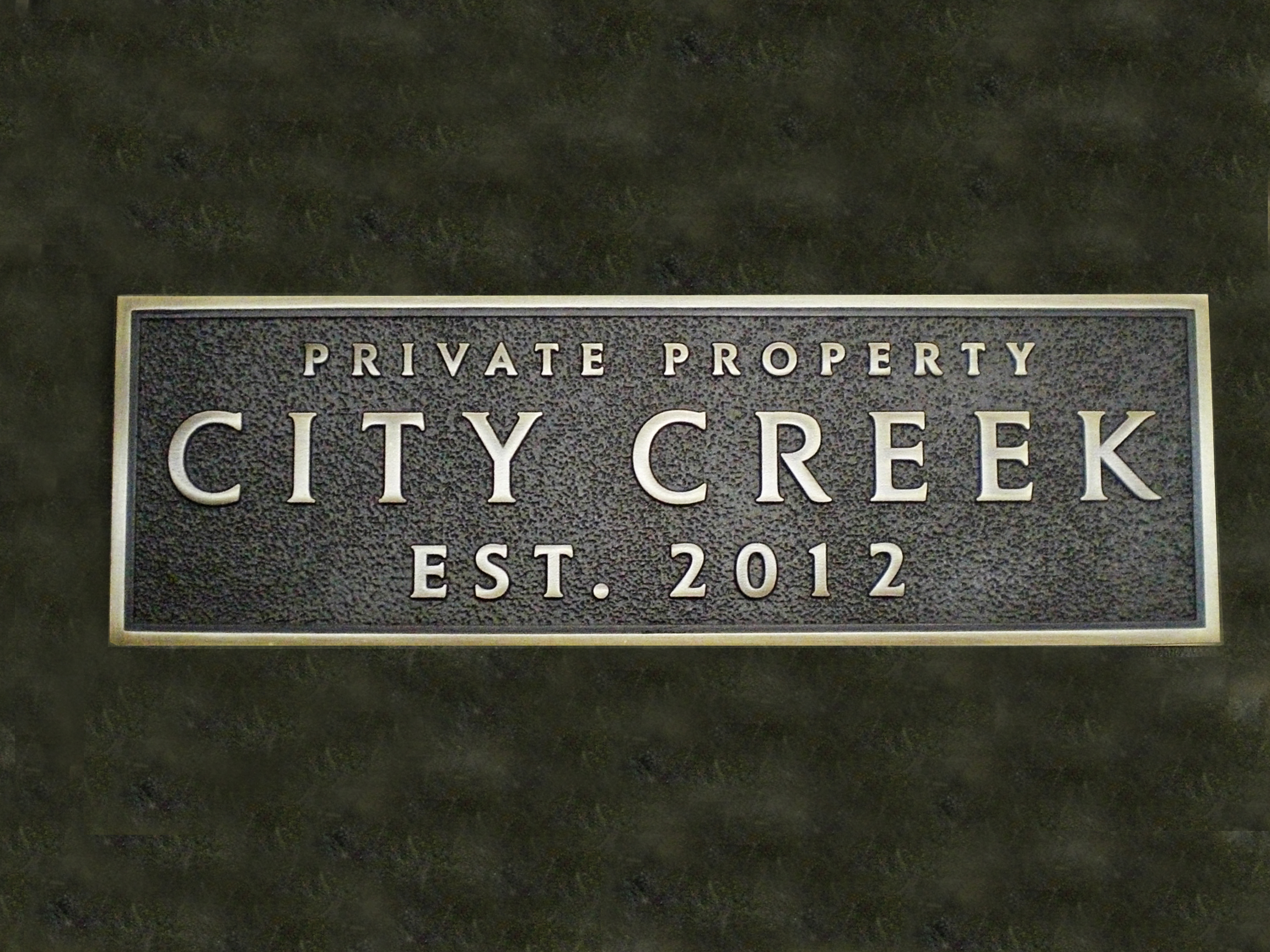 Cast bronze plaque, standard finish