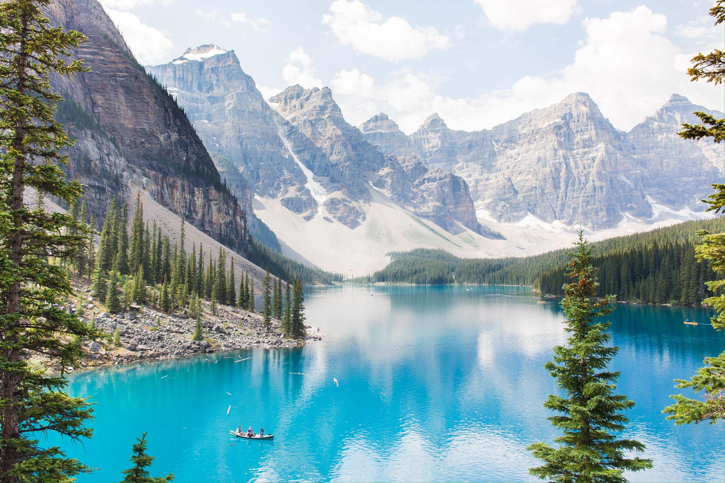 Moraine Lake- looks like a painting!