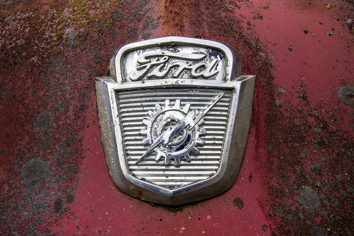 Ford Emblem-1.jpg