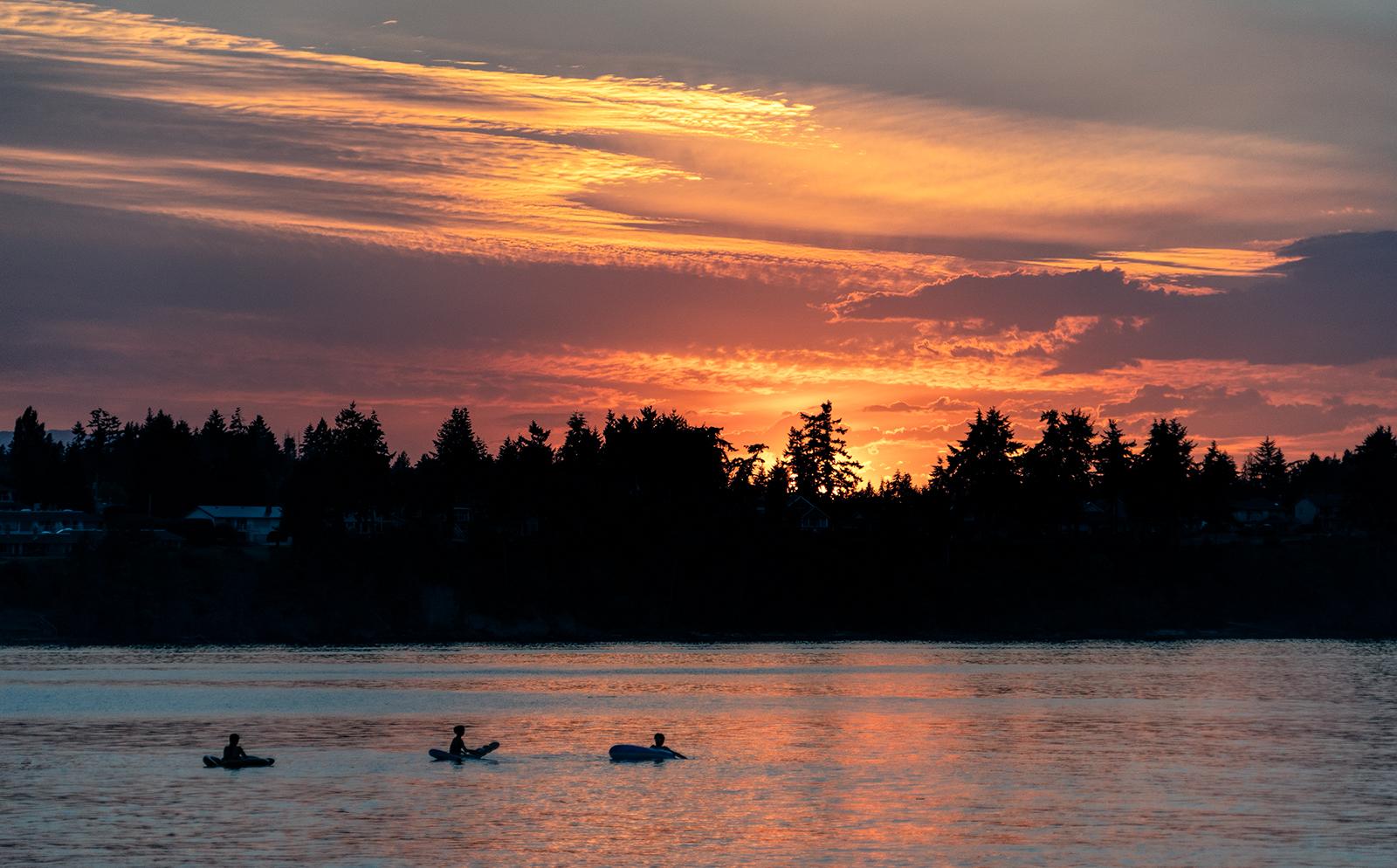 Summer Sunset Splashes