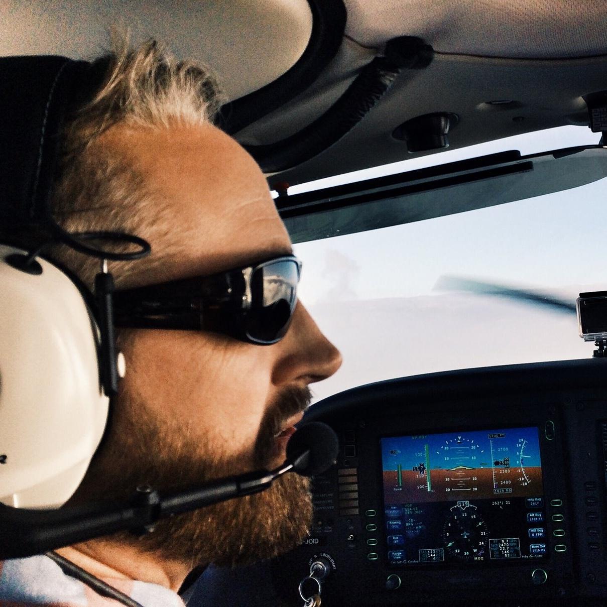 Theo Amer - Pilot