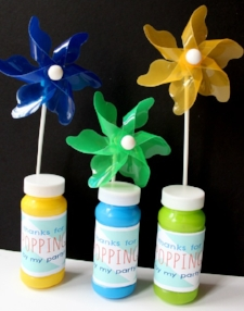 Bubbles-Pinwheels-for-party-favors.jpg