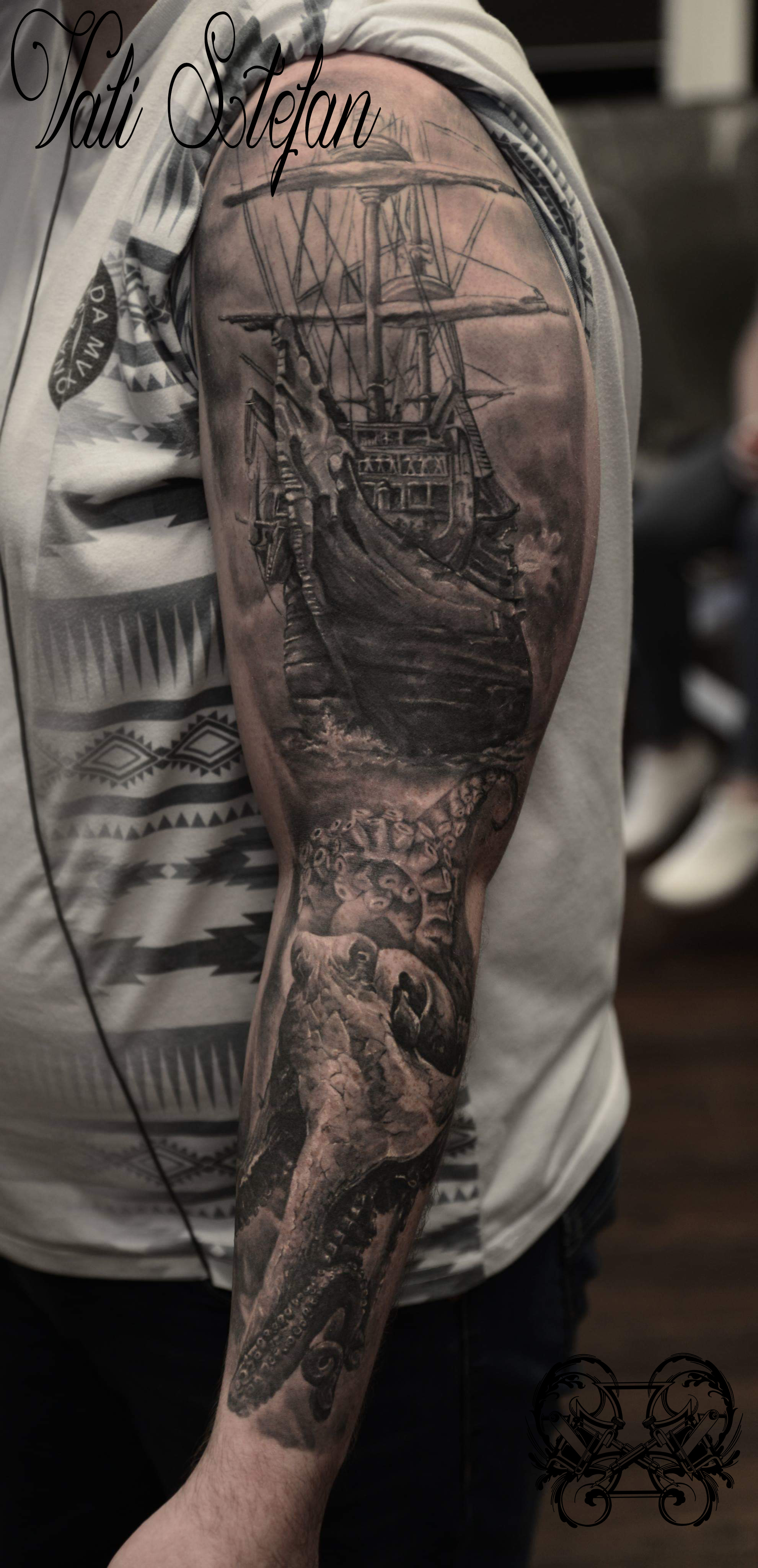 Vali pirate ship sleeve.jpg