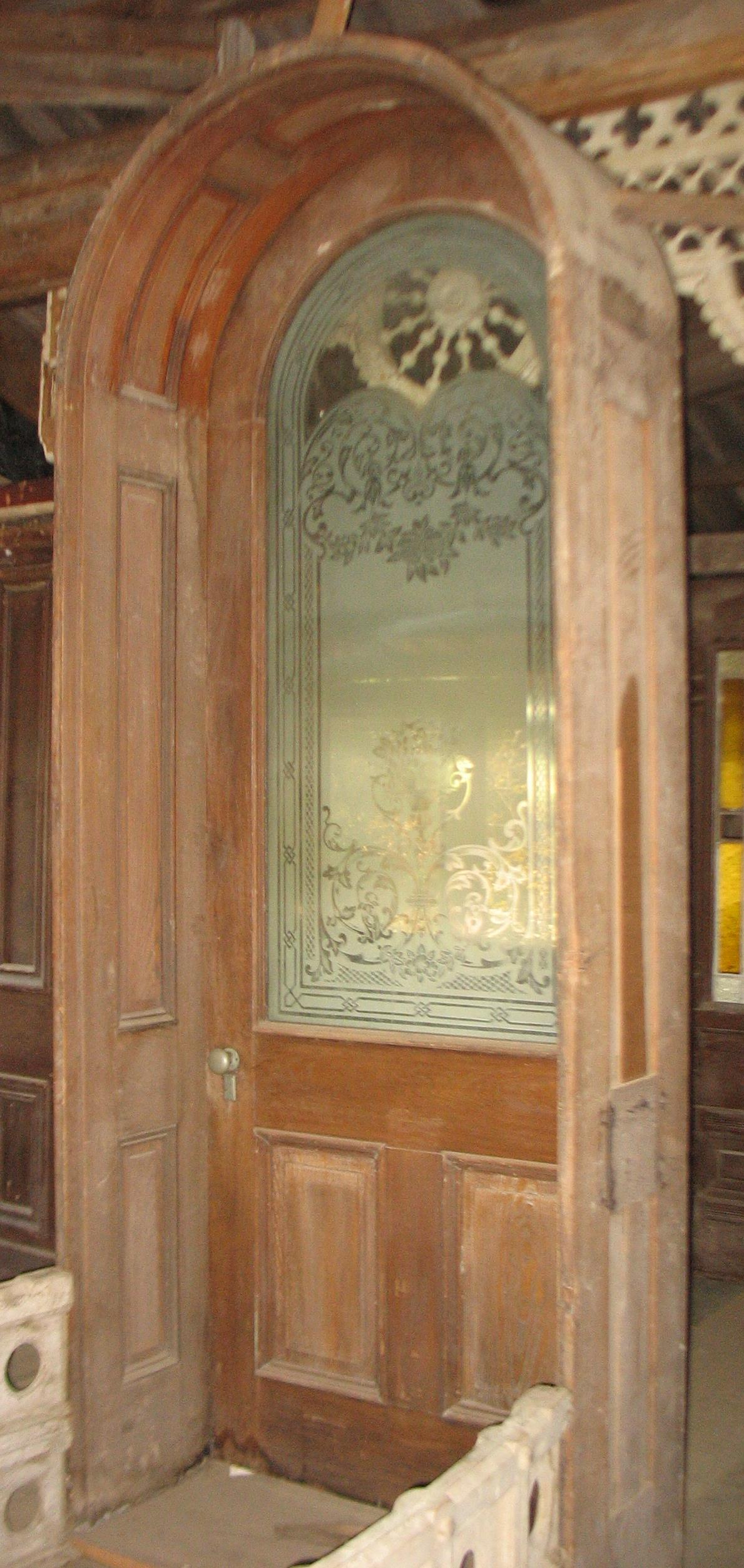 This door was the main Entrance Door to Bashford Manor Plantation in Louisville, Kentucky.       Three Kentucky Derby winners came from the stables here including Azra in 1892. Manuel in 1899 and Sir Huon in 1902. The Bashford Manor Stakes is still run today at the Derby.    Price upon request