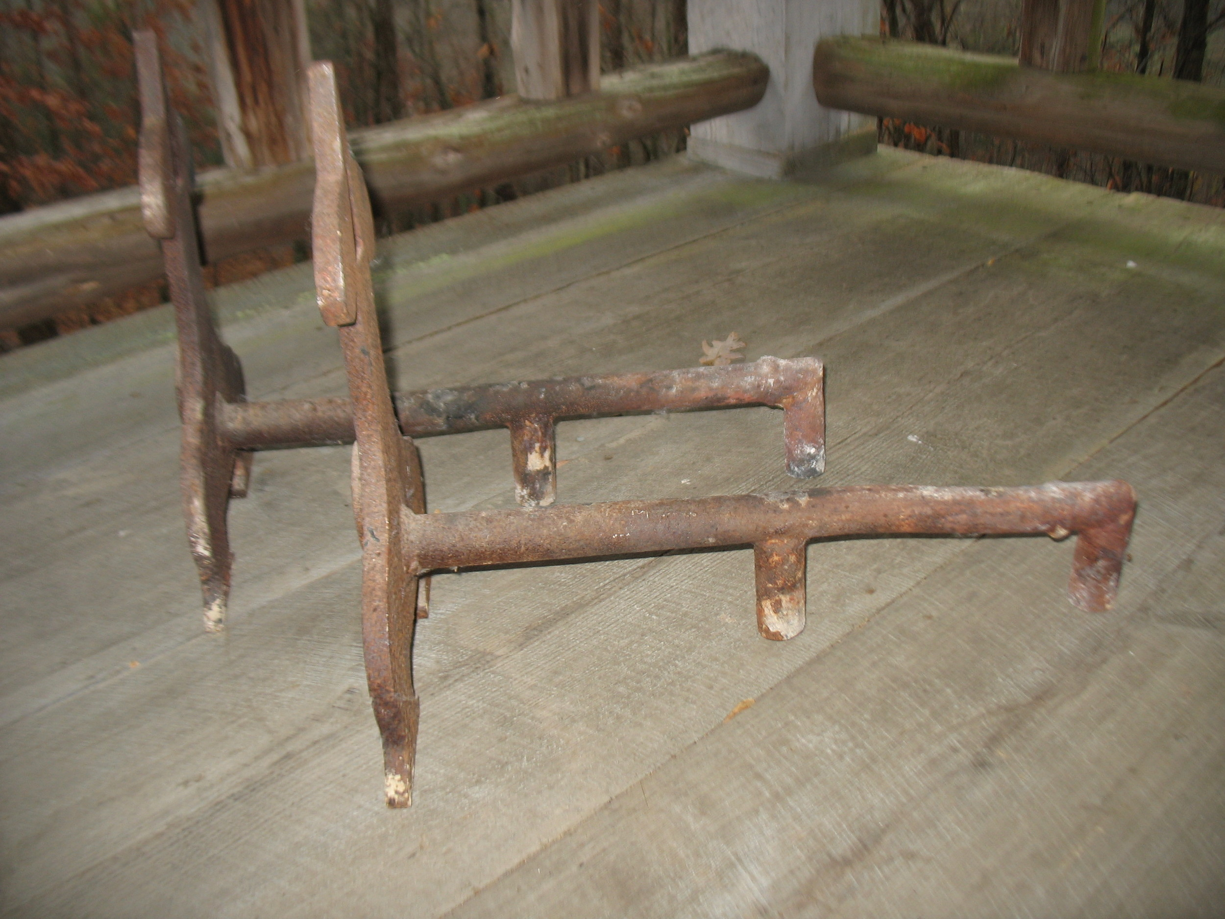 This will show a side view ot theFrench Andirons.