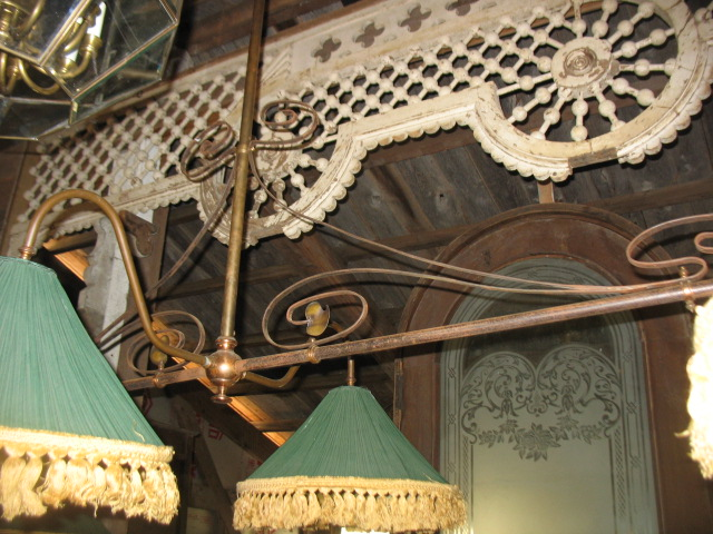 This shows the detail of Art Nouveau brass leaves