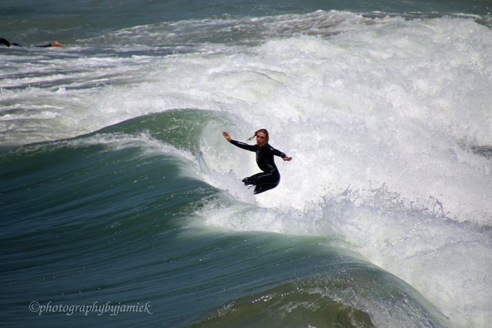 surfer 10.jpg