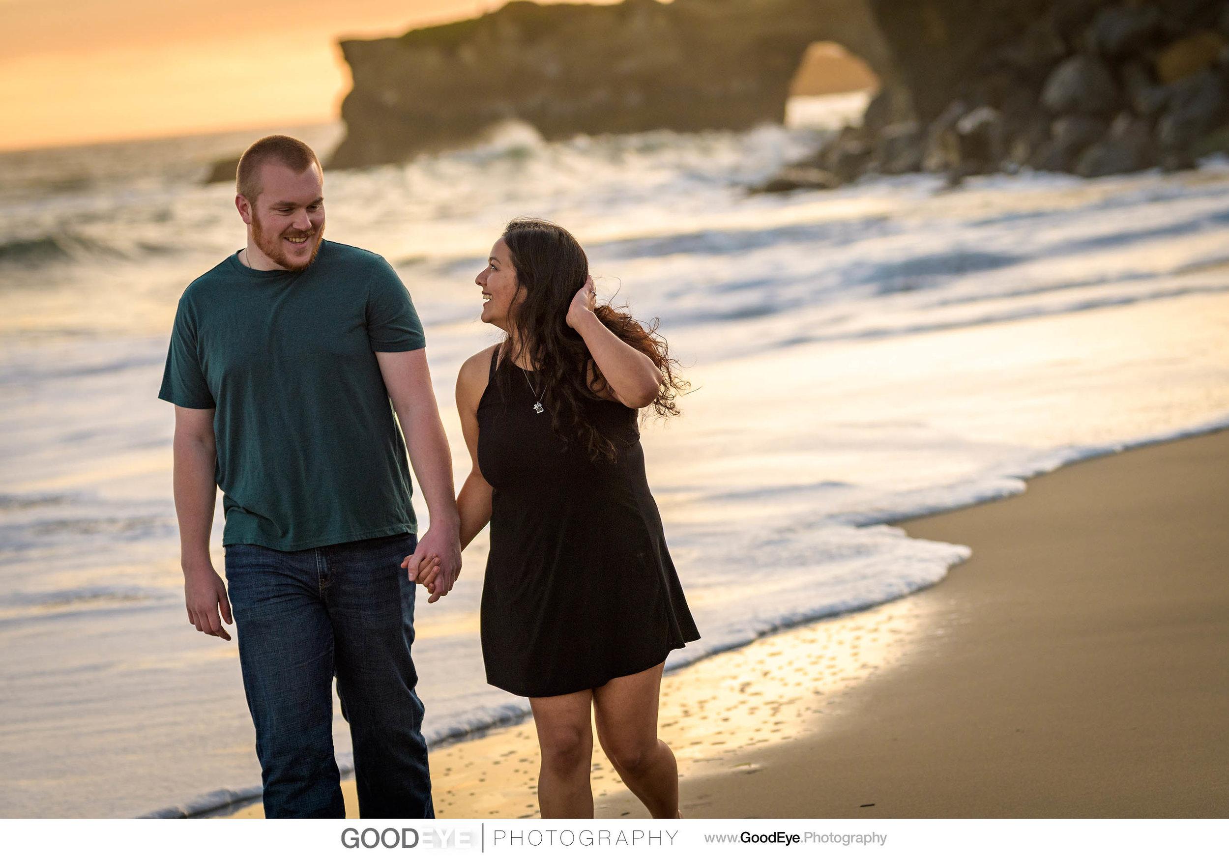 Lighthouse Field Santa Cruz engagement photos; by Bay Area weddi