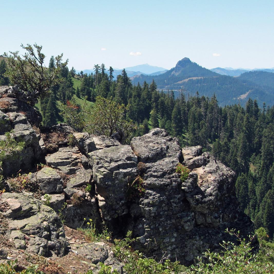 Hobart Bluff and view of Pilot Rock. KReynolds photo