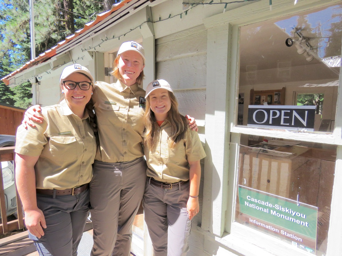 L to R: Interpretive Ranger Interns 2018 Anna Kennedy, Paige Engelbrektsson, and Ellie Thompson at CSNM Information Station.