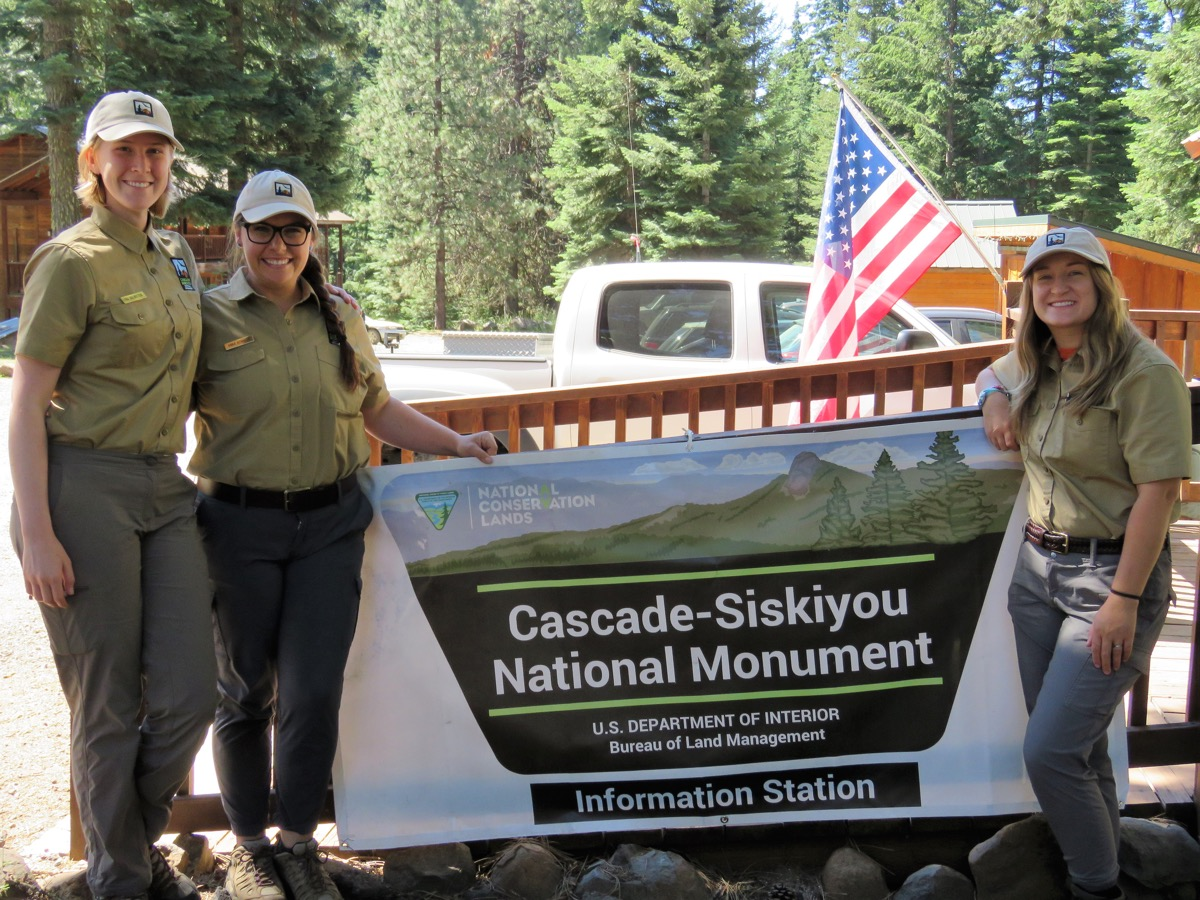 Interpretive Ranger interns Page Engelbrektsson, Anna Kennedy and Ellie Thompson at Cascade-Siskiyou National Monument. 2018 Photo by C Beekman