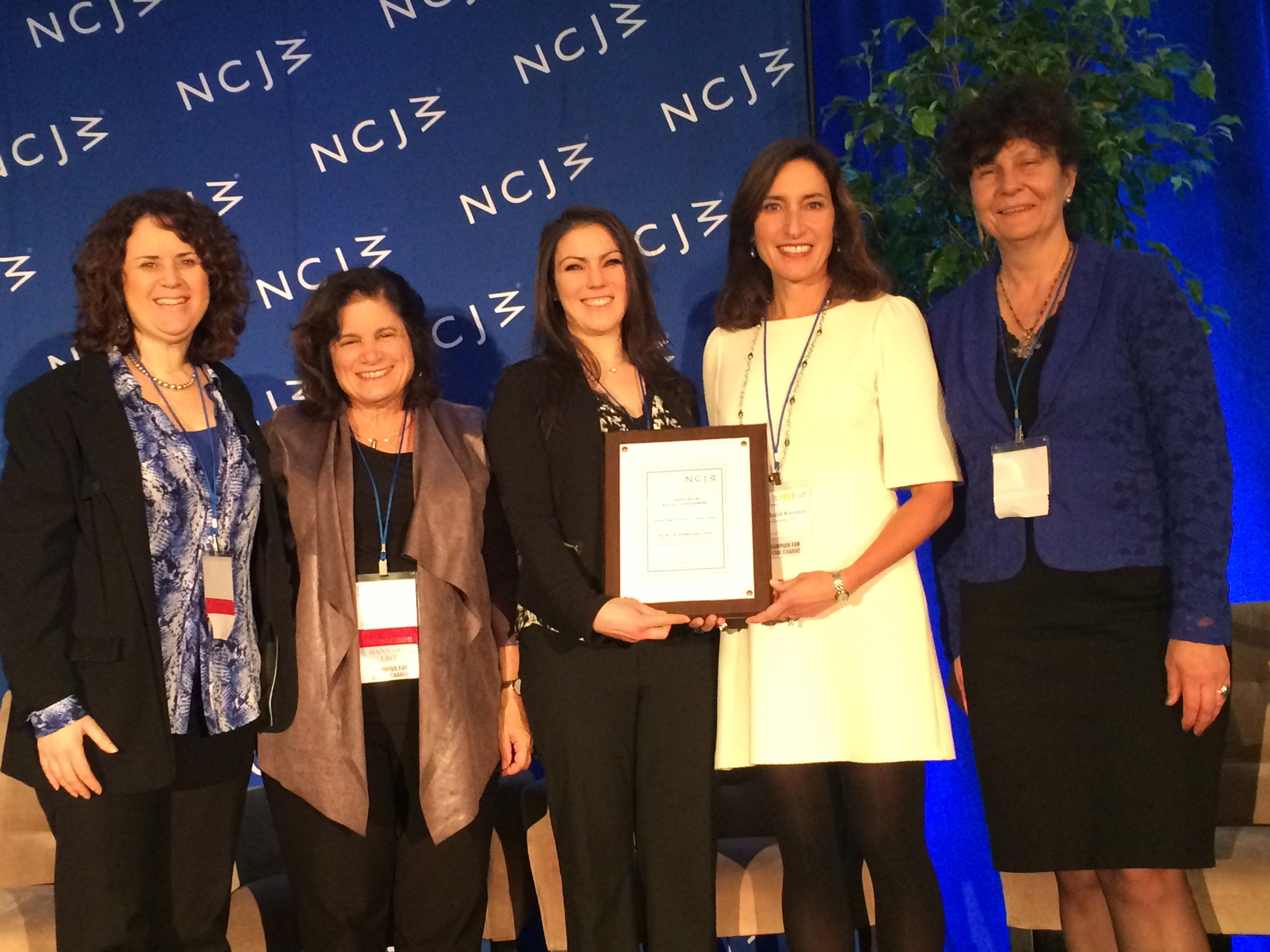 NCJW SF 2016 Washington Institute Delegation with the  Champion for Social Change Award
