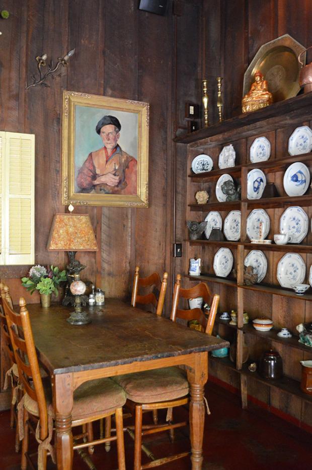 Widescreen_Wallpaper_Deetjens_Big_Sur_Inn_Dining_Room-1280x1024.jpg