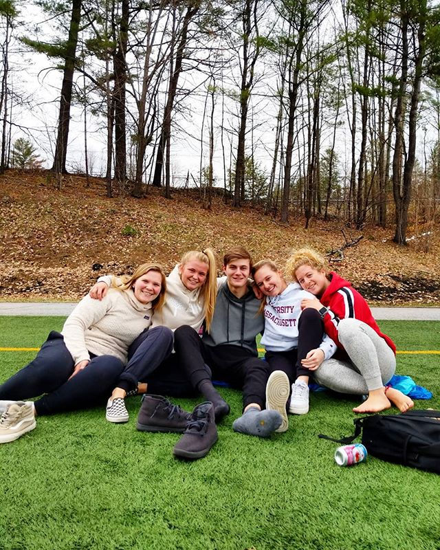 Sideline support! Having a good time cheering on WV Lacrosse 🥍 #newhamptonschool • • • • #boardingschool #prepschool #highschool #lacrosse #womenslax #lax #newhampshire #newengland