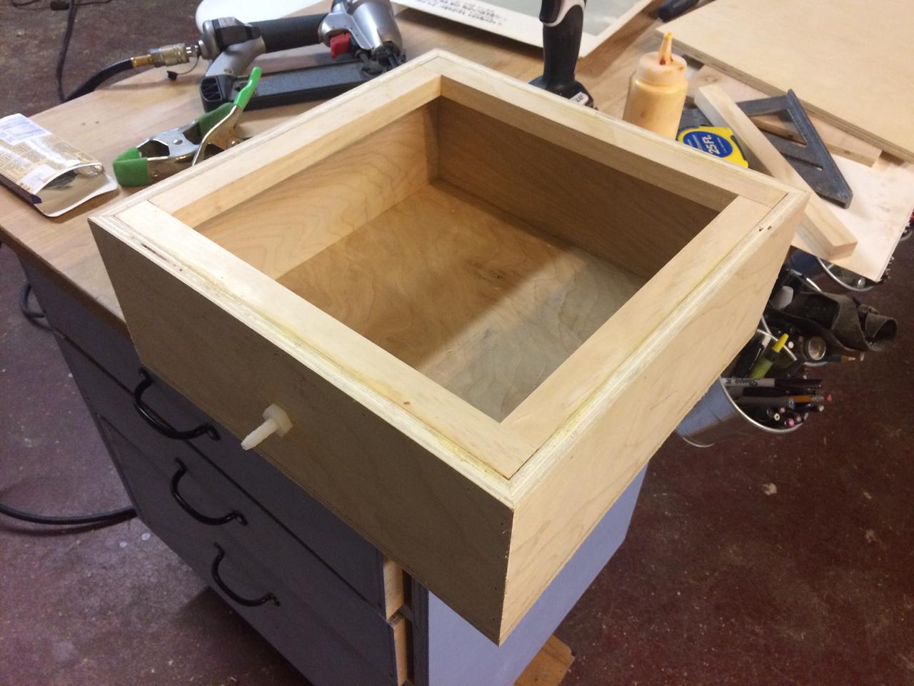 Air box for bellows
