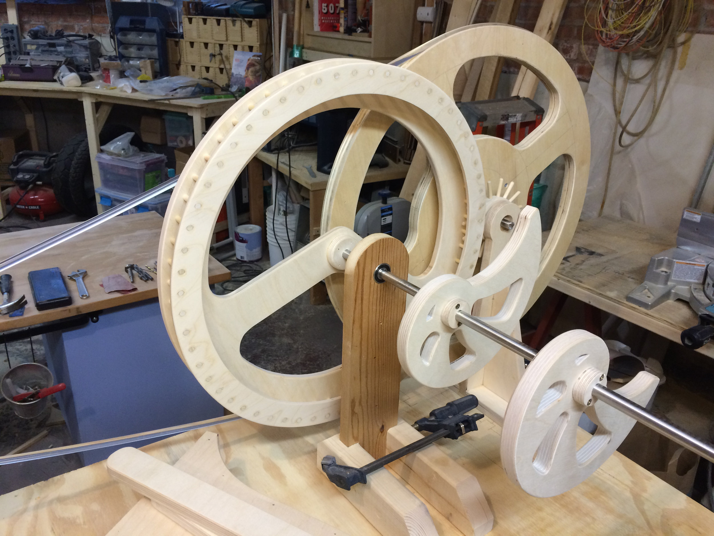 lantern gears in place with large pulley