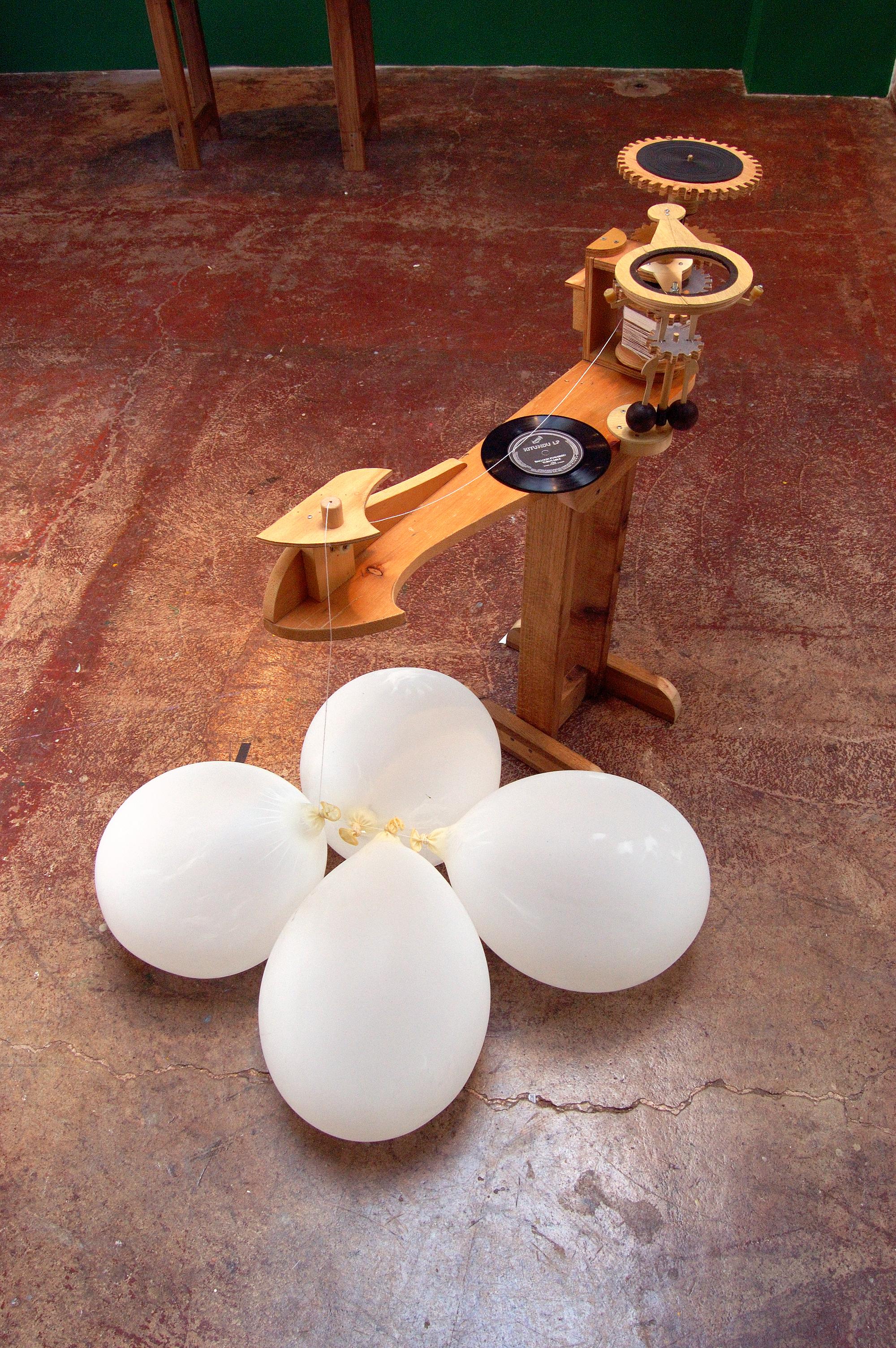 Balloon-powered Phonograph (2005)