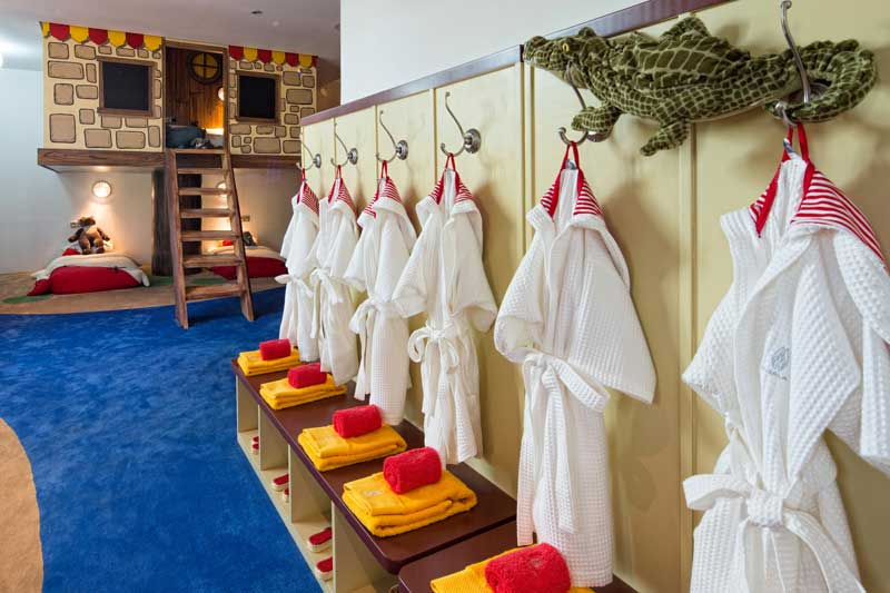 Thailand-Kids-Hotel-Children-Hotel-Family-Villa-Residence-Beachfront-Villa-Phuket.jpg