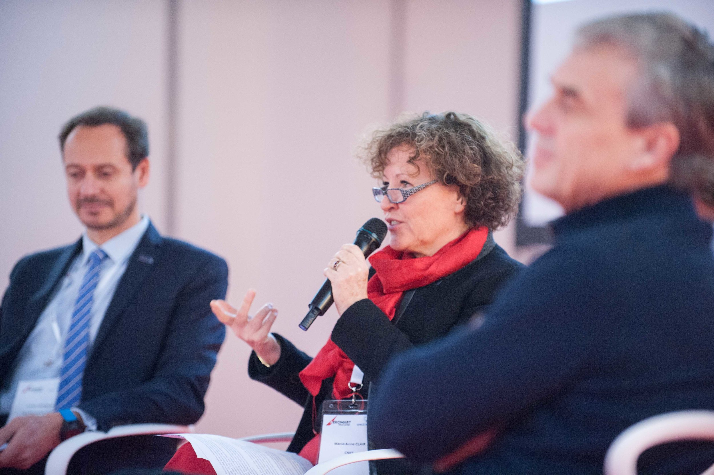 Marie-Anne Claire - CNES moderates a panel discussion at Aeromart Toulouse 2018