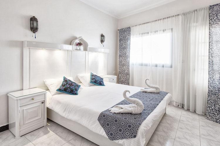 dyd-coral-coast-double-room.jpg
