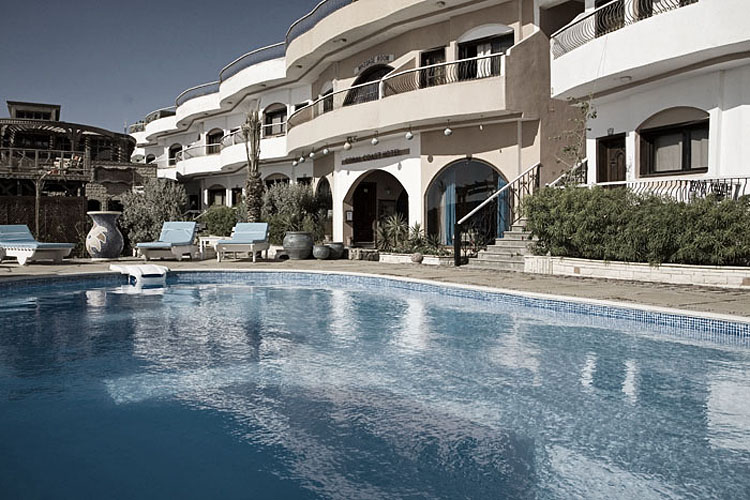 dyd-coral-coast-swimming-pool.jpg