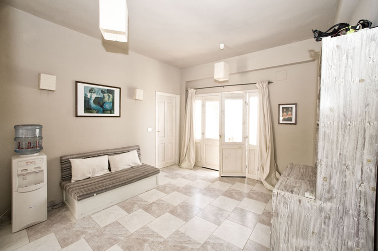 dyd-vila-isis-living-room-2.jpg