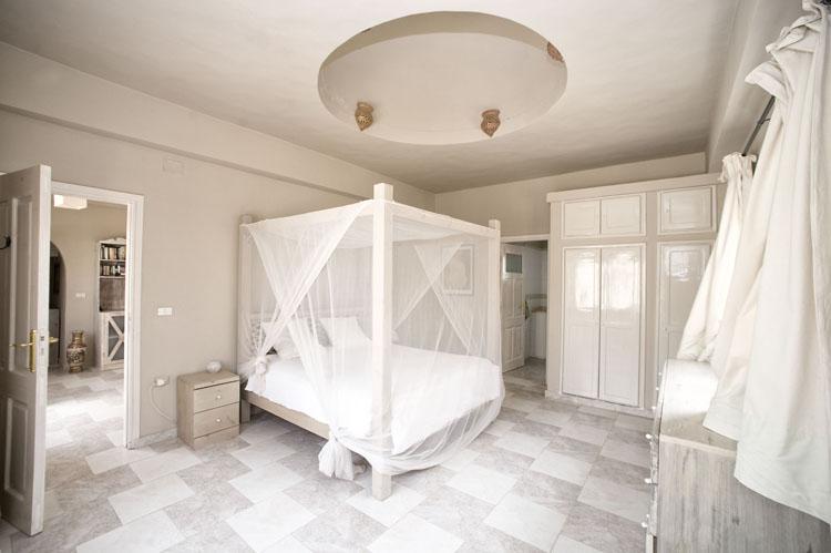 dyd-vila-isis-master-bedroom-1.jpg