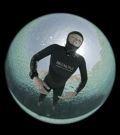 dyd-pool-static-apnea.jpg
