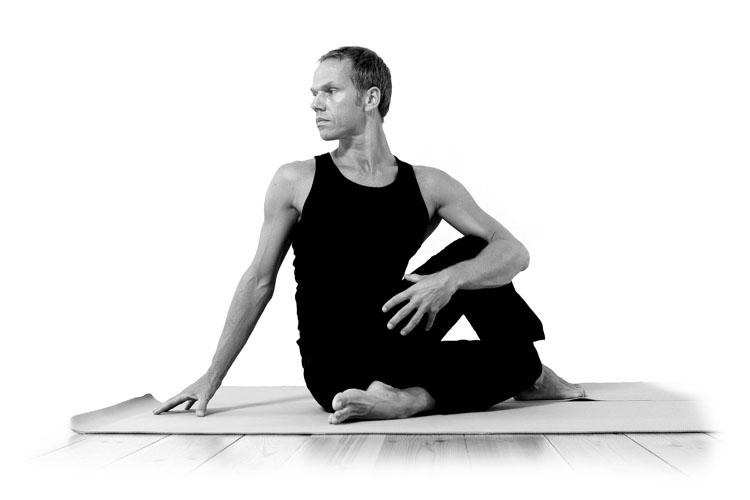 jørn-nørtoft-yoga-pose.jpg