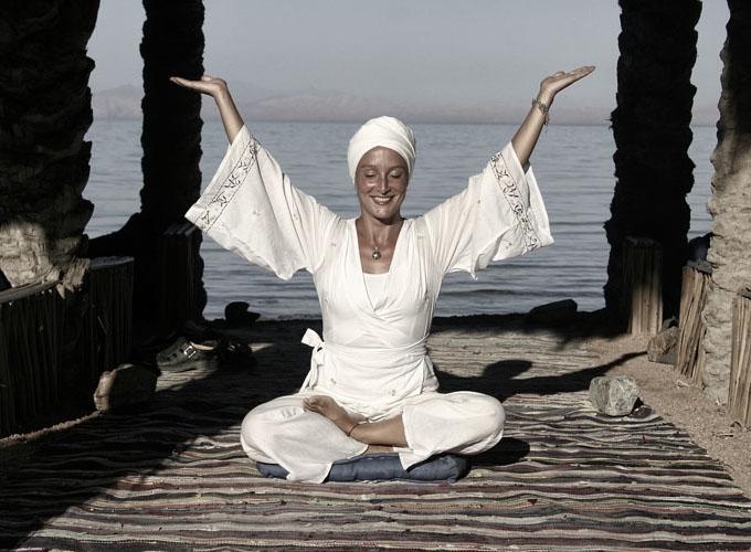 dyd-sara-yoga-pose.jpg