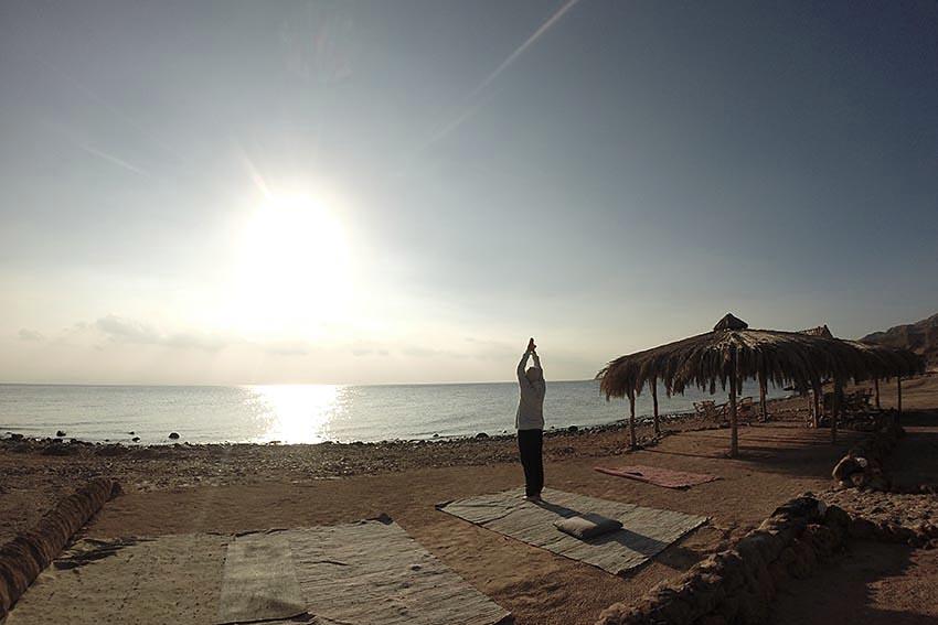 dyd-kundalini-teacher-training-morning-meditation.JPG