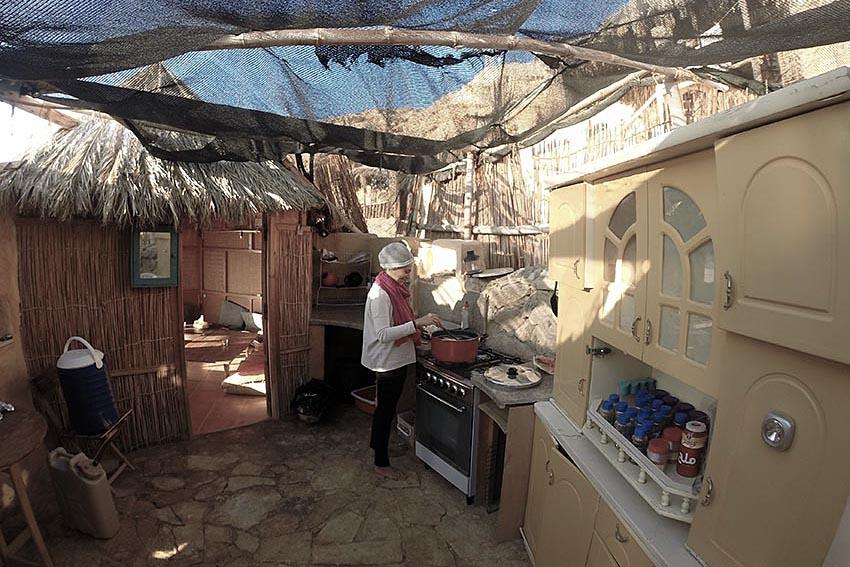 dyd-kundalini-teacher-training-seva-in-the-kitchen.JPG