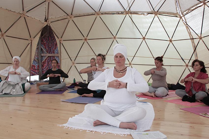 dyd-kundalini-teacher-training-group-kriya.png