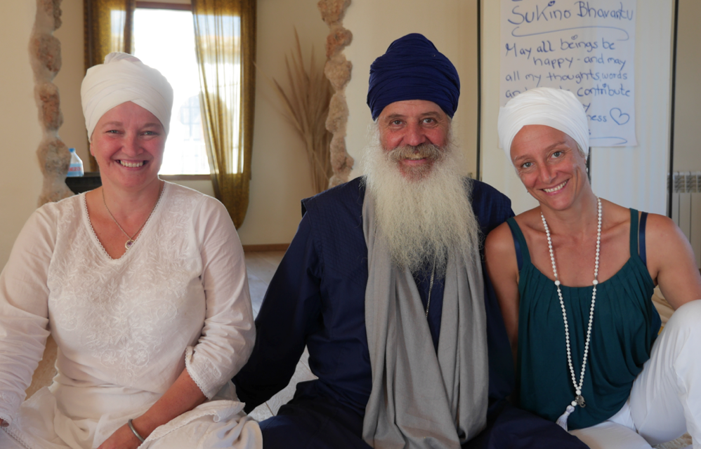 Me, with my two teachers, Har Nal Kaur and Karta Singh - three generations of ANS teachers