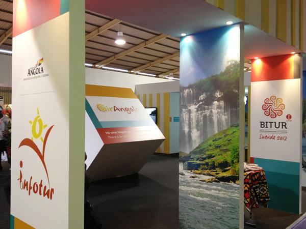Criação e montagem de stand Girangola na Bitur 2012.