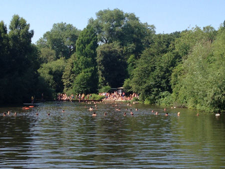 Ingrid and her friend Louise visit the swimming ponds at Hampstead Heath