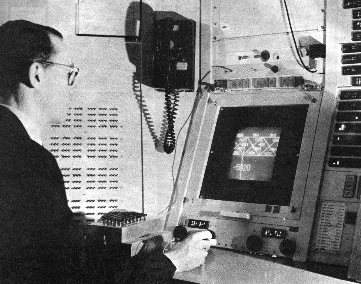 Figure 2 – Ivan Sutherland's Sketchpad  (1963)