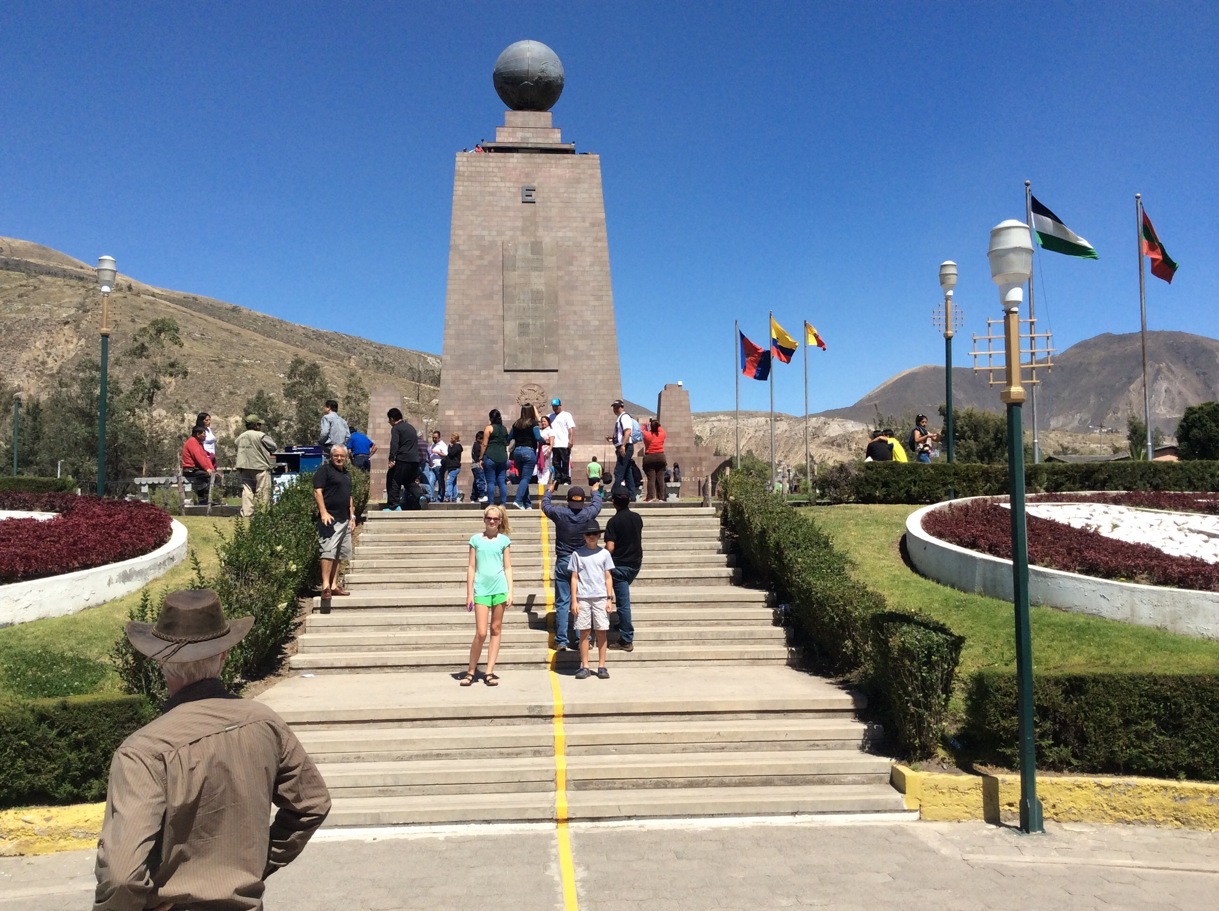 The fake Equator with the monument