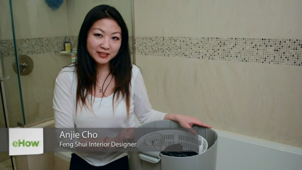 Eco-Friendly Ways To Wash Your Clothes Without A Machine