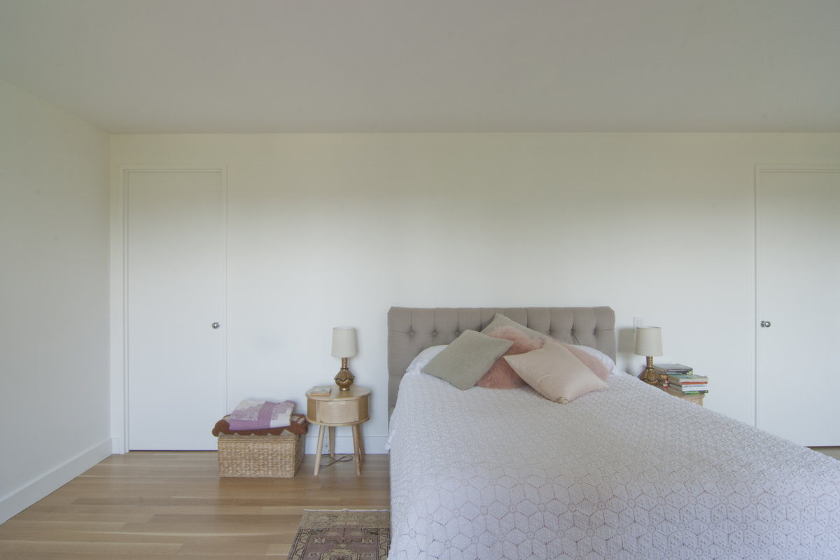 White Bedroom with Pink.jpg